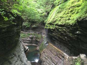 99-watkins-glen-18-waterfall-bridge